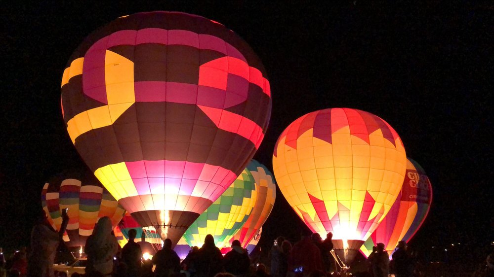 inline image showing The Great Balloon Race, early morning Glow Show