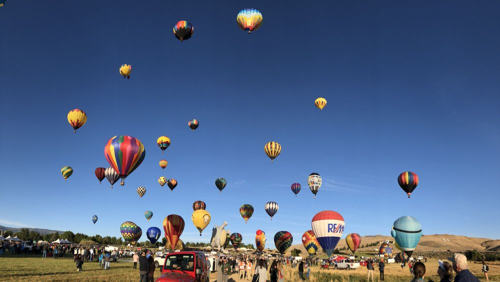 inline image showing Mass Ascension Launch at the Great Balloon Race in Reno Nevada